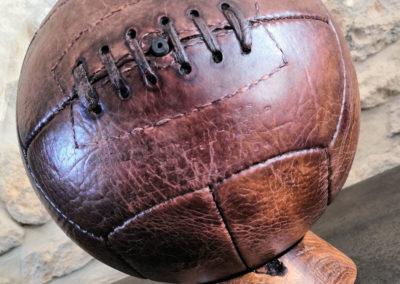 Support ballon de foot en bois (chêne massif)