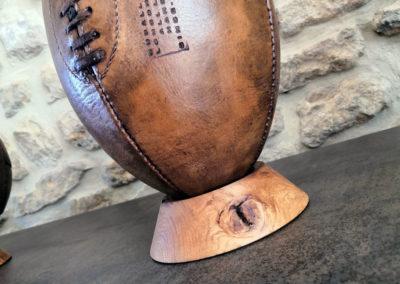 Support ballon de rugby ancien en bois