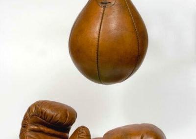 Gants de boxe vintage John Woodbridge avec leur poire de boxe