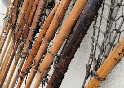 Lacrosse en bois de profil