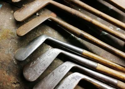 Exemple de tête rénovée versus tête rouillée pour les clubs de golf fer