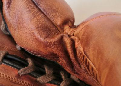 Vue macro de vieux gants de boxe