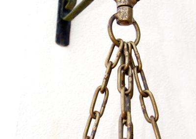 Chaine en laiton pour accrocher le sac de frappe ancien
