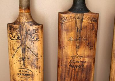 Patine et brulure magnifique sur une ancienne batte de cricket