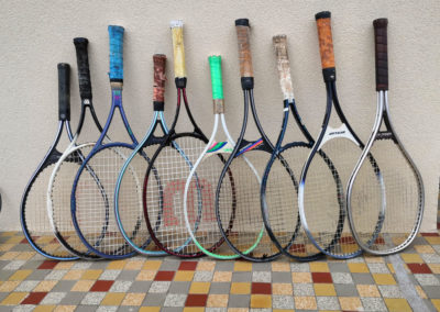 Lot de raquettes anciennes en graphite