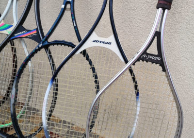 Raquettes vintage Adidas et Dunlop en graphite