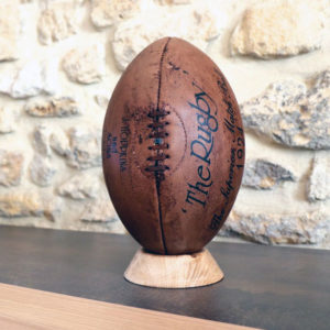 présentation du ballonde rugby vintage en édition limitée