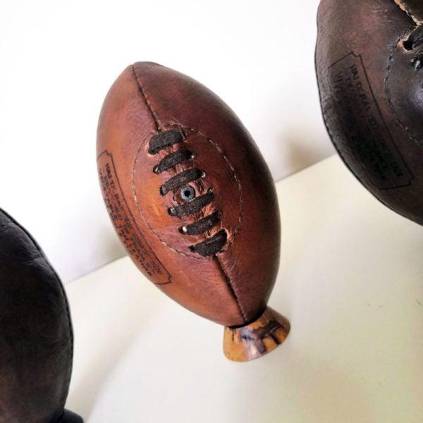 Ancien ballon de rugby