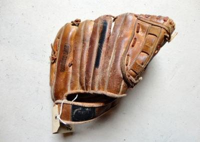 Un gant ancien pour jouer au baseball