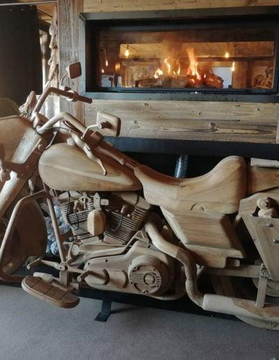 Moto toute en bois