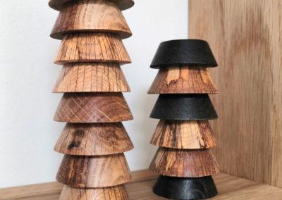 Socles en bois superposés pour ballon