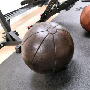 Médicine ball en cuir