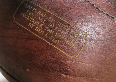 Logo Ben et Flo sur cuir de Buffle